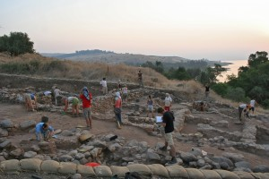 Excavation of the Iron Age I structures at Tel Kinrot. Photo by Stefan Wenger; © Kinneret Regional Project.