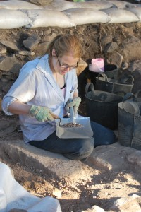 Excavating at Horvat Kur. Photo by Benjamin de Groot; © Kinneret Regional Project