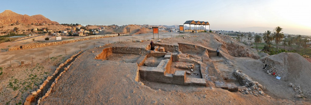 Tell es-Sultan/ancient Jericho: general view of EB IIIB (2500-2350 BC) Palace G on the Spring Hill, from south.