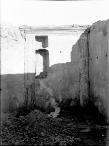 Blocked door in block C7. When the door was closed between these two rooms, niches were inserted into part of what had been the opening. Such blocked-up doors are one way the changes made to houses are visible in their structures. YUAG h41a.  Courtesy Yale University Art Gallery.
