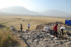 The 2014 RAP excavations at Gird-i Dasht showing Islamic fortifications of the early modern era at the mound's summit.