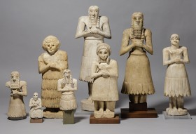 Votive statues showing the attitude of prayer, found at Tell Asmar, Iraq, ca. 2900-2500 BCE. Oriental Institute, University of Chicago.