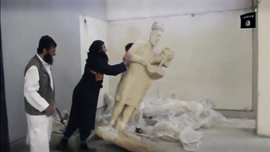 Destruction of artifacts at the Mosul museum.